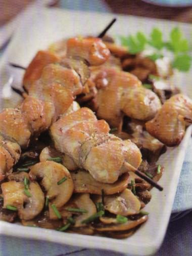 Spiedini di pollo e funghi Champignons